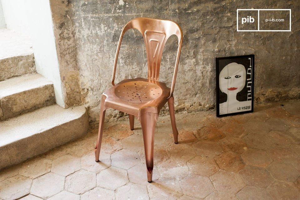 Optez parmi notre sélection de chaise metal vintage pour la réédition d\'une icône du mobilier