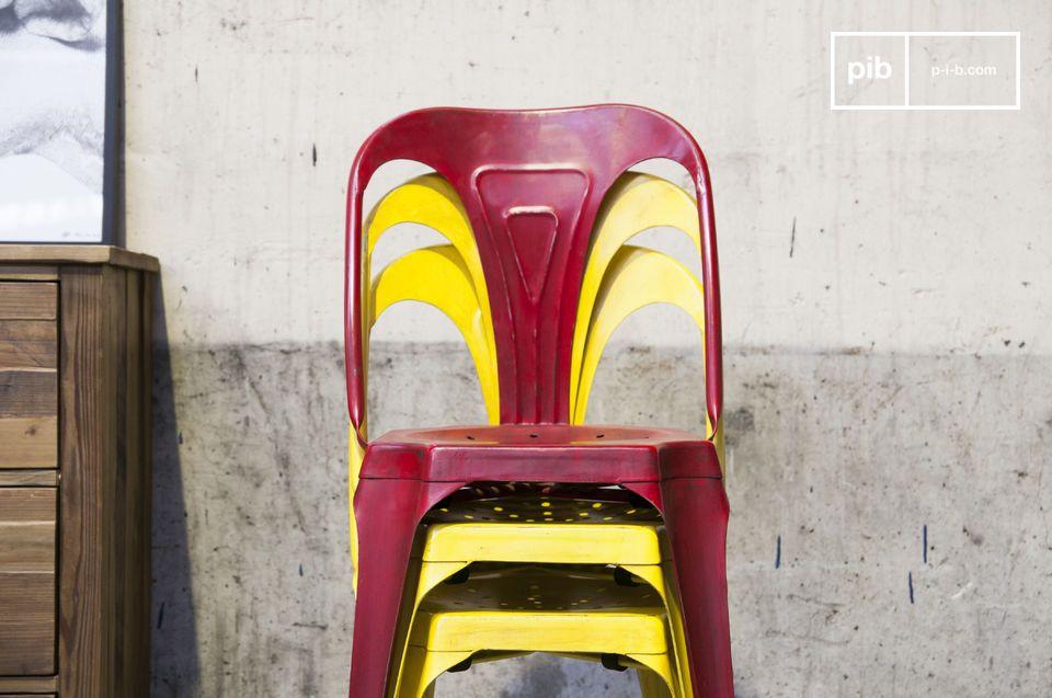 Chaise design en métal inspiration tolix