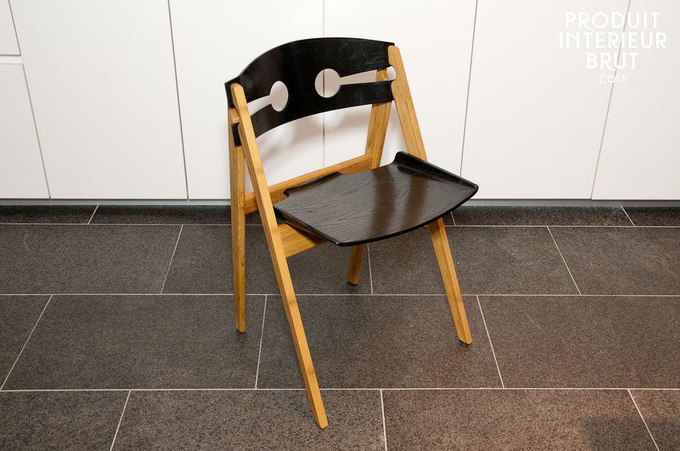 Chaise noire Numéro 1