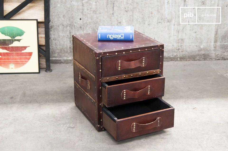 Style vintage et 3 tiroirs pratiques
