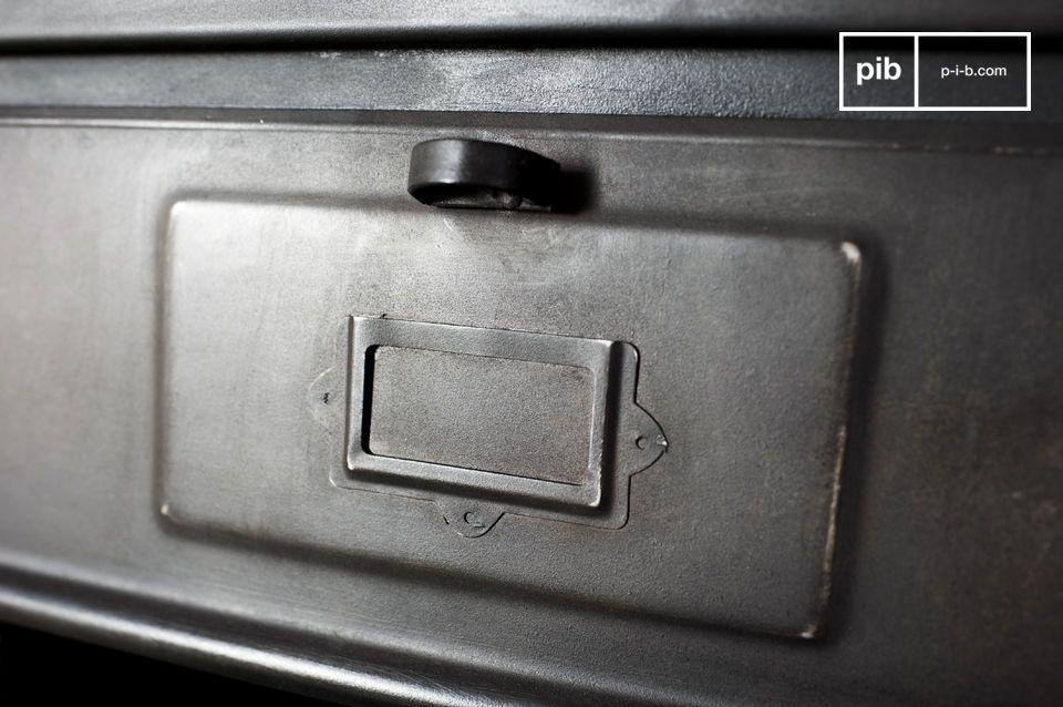 Le semainier métallique 5 clapets est un meuble de rangement de style industriel et rétro déco
