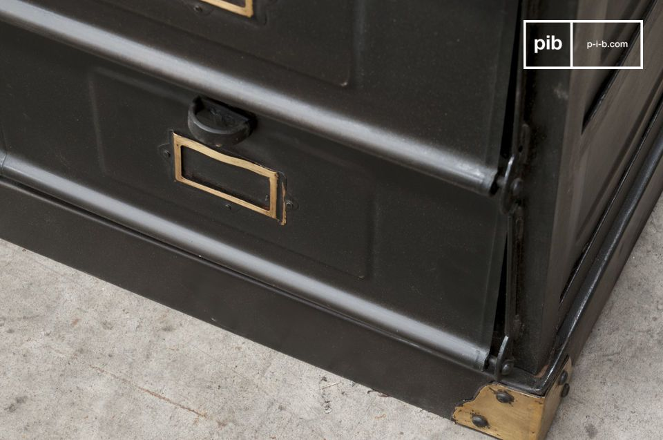 Un meuble de rangement au style industriel et  vintage qui apportera un cachet à votre pièce