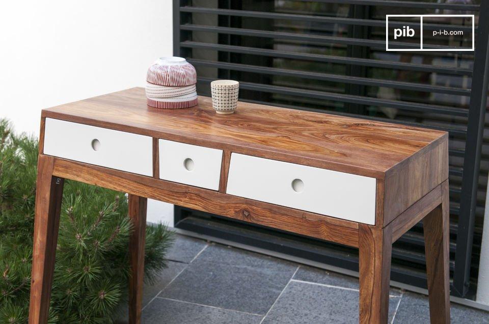 Dimensions compactes et élégance du meuble vintage scandinave