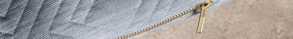 Mise en avant matière Coussin Quilt gris clair