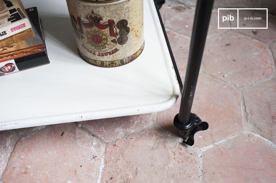 Du noir, du blanc et du métal pour un meuble 100% indus'