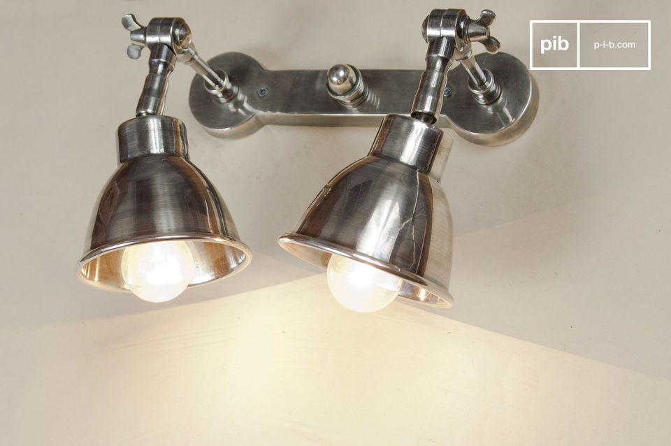 Cette lampe double à fixer fera merveille une fois placée au-dessus d\'un lit ou d\'un plan de