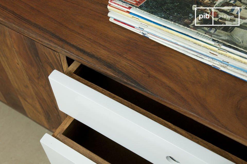Un meuble de rangement dont l\'élégance puise son inspiration dans le mobilier scandinave des