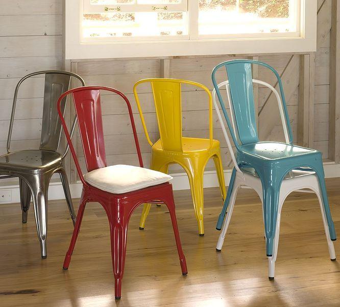 Ensemble de chaises Tolix colorées