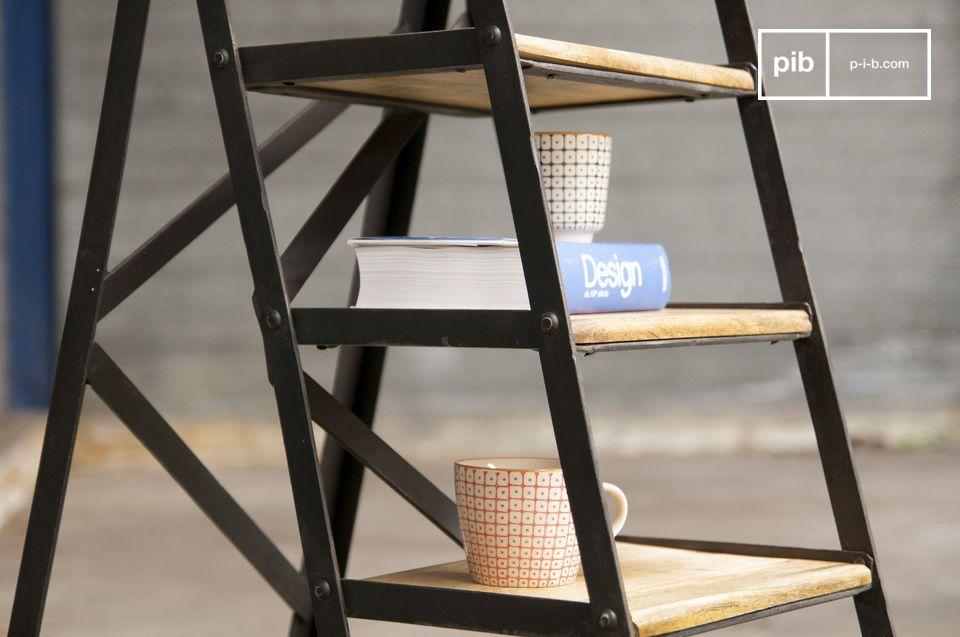 L\'escabeau d\'atelier est un meuble tout à fait pratique qui apportera une touche de style