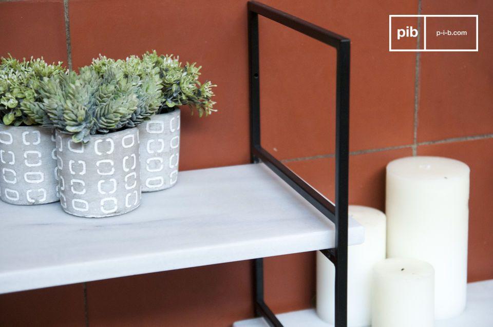 L'élégance d'une étagère scandinave modulable en métal noir et marbre blanc