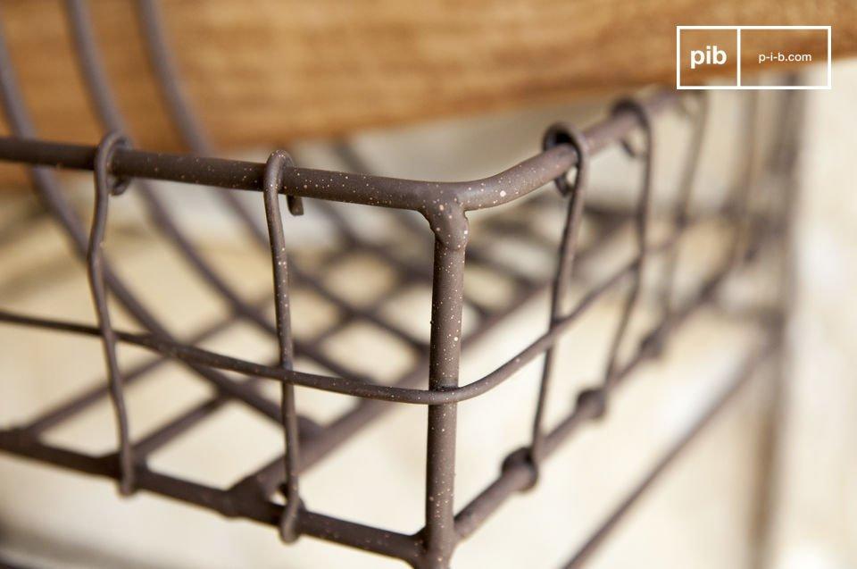 L\'étagère murale Mélina est un accessoires de cuisine entièrement conçu en métal