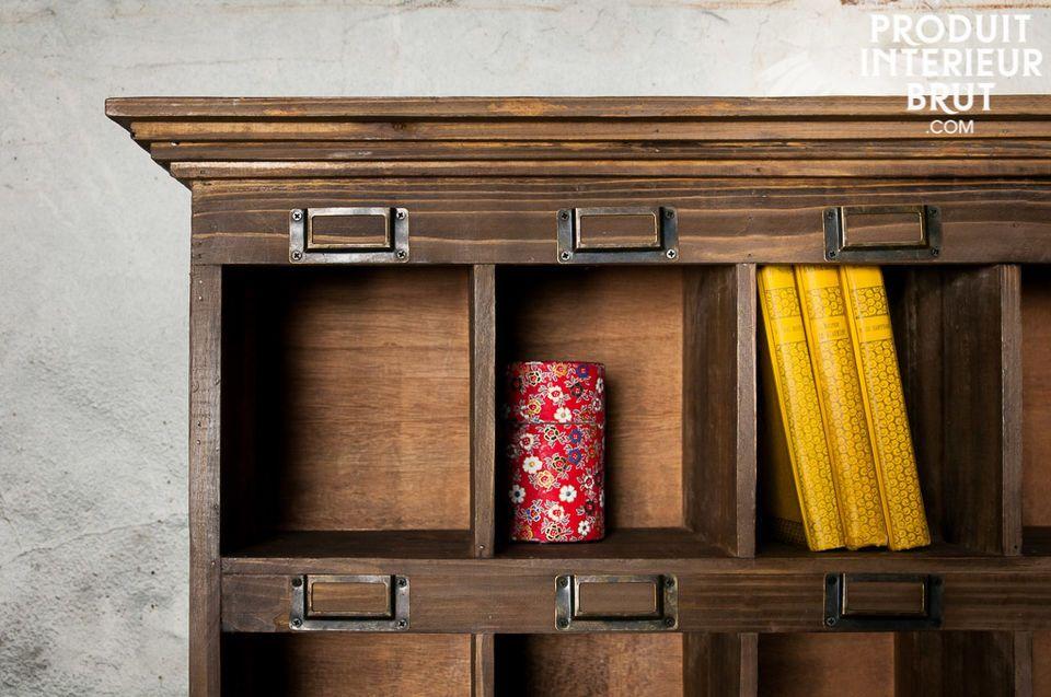 Le charme d'un meuble de rangement d'atelier à l'ancienne