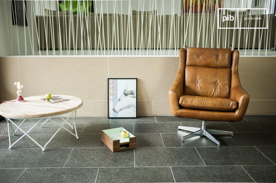 Laissez-vous séduire par les  lignes et le confort extraordinaire du fauteuil retro