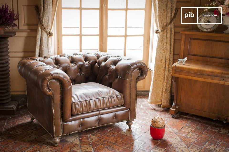Apportez une touche de club anglais à votre salon avec le fauteuil Saint Paul