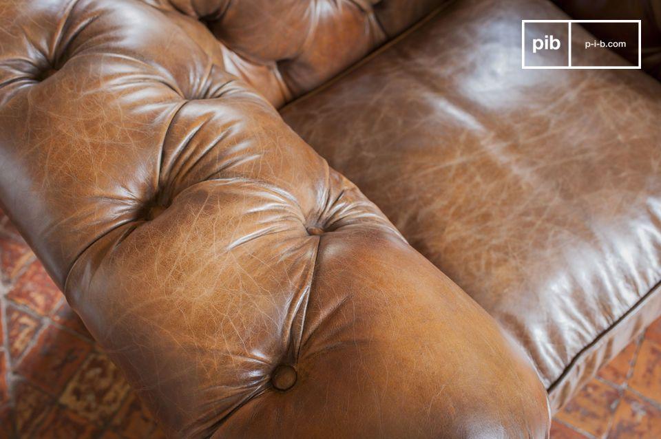Associant un niveau de finition hors du commun et un cuir pleine fleur de très grande qualité