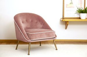 Fauteuil crapaud en velours rose Barnolomeo