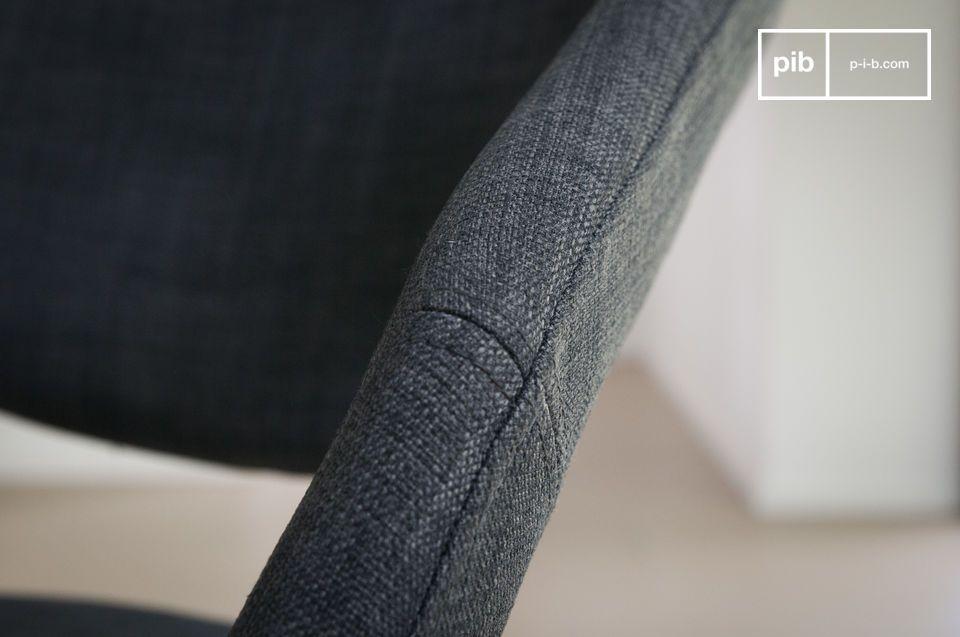 Les finitions sont millimétrées, et vous apprécierez les coutures particulièrement soignées