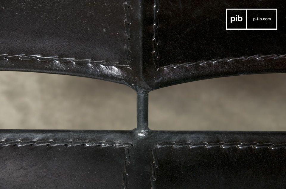 Une banquette 100% métal et cuir qui associe des airs latins à un style vintage pour un rendu