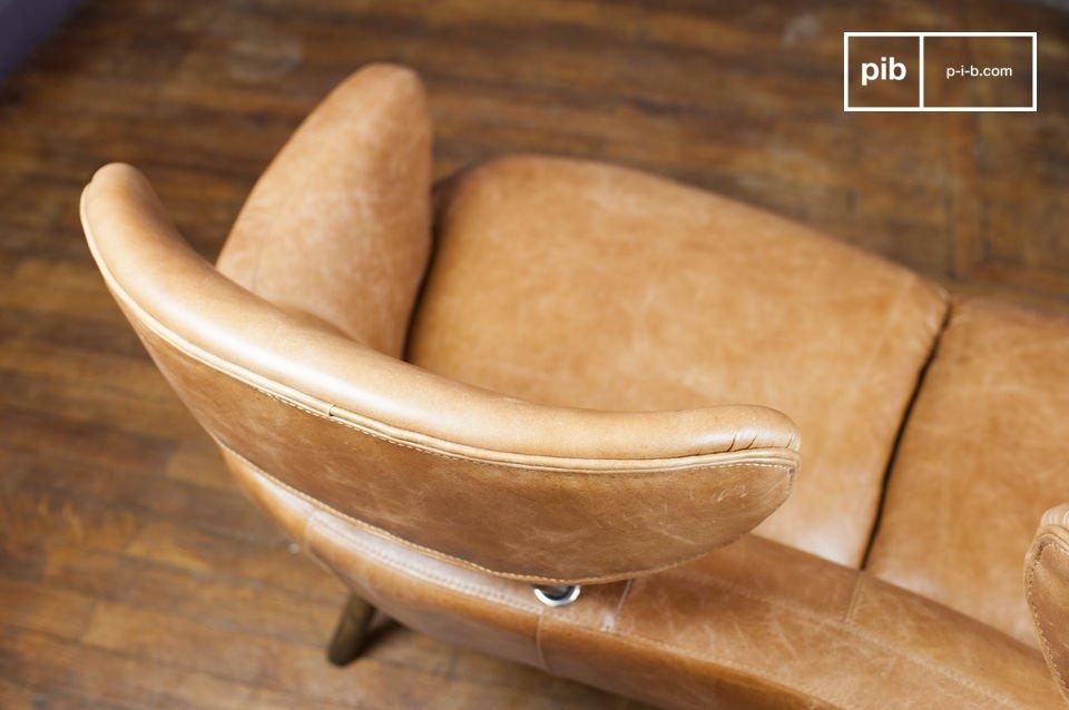 Le Fauteuil Double Queen est sans aucun doute un meuble unique en son genre qui ne laissera personne
