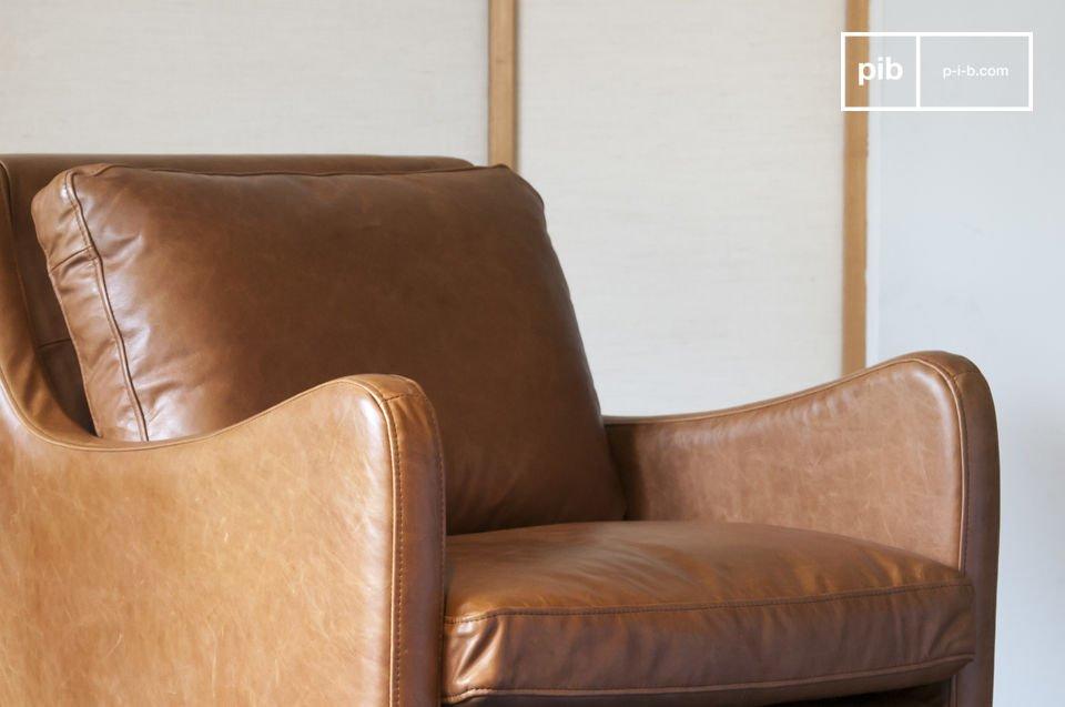 Courbes soignées, élégance vintage et cuir de qualité