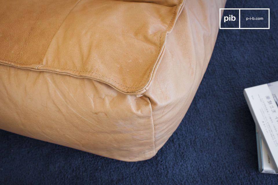 Plus besoin de choisir entre le fauteuil et le pouf pour profiter d\'instants de détente; le