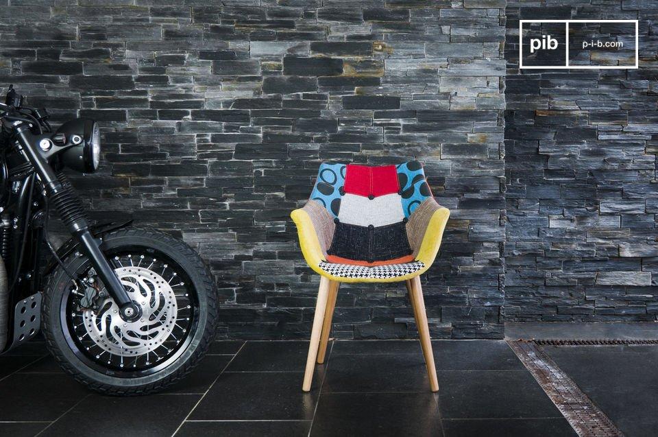 Un fauteuil idéal en bout de table ou à un bureau, dans une ambiance loft récup\', autant qu\'entouré de mobilier au design contemporain
