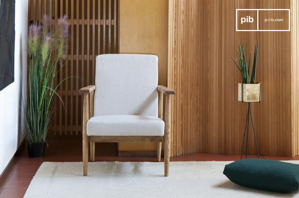 Un fauteuil confortable idéal autour d\'une table basse dans un salon ou pour agrémenter le coin