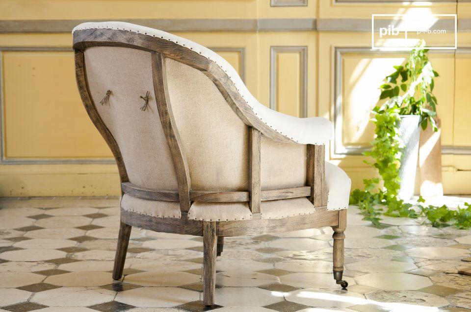 Le fauteuil rond Léonie est un joli fauteuil en tissu blanc qui apportera un charme campagne