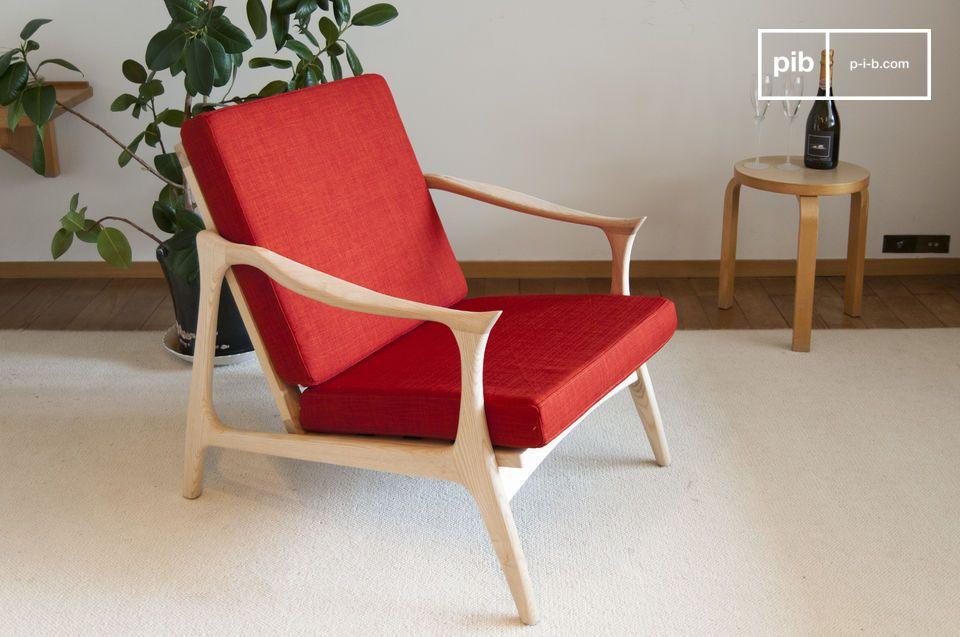 Un fauteuil rouge vermillon au charme scandinave