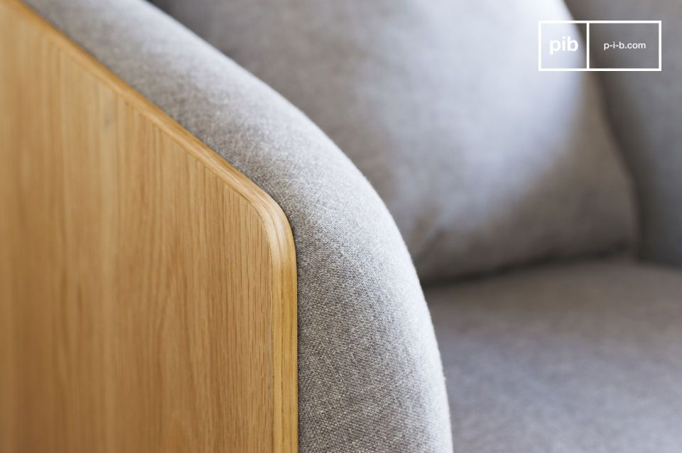 Le fauteuil Jackson affiche des lignes droites et élégantes