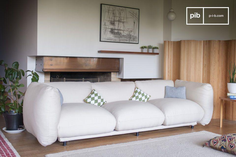 Rondeur et confort pour un canapé aux dimensions généreuses
