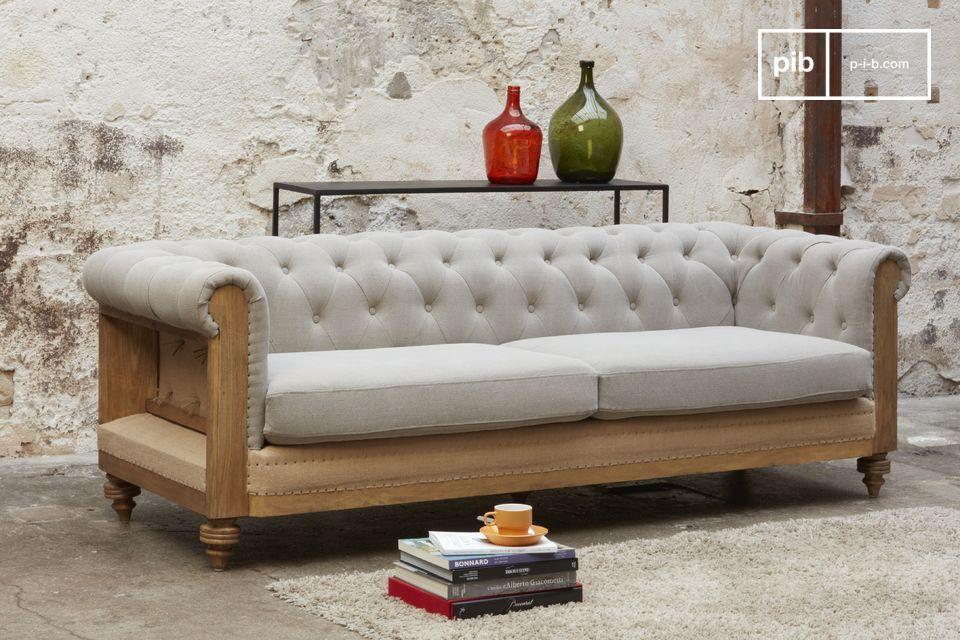 Un magnifique canapé Chesterfield en toile de jute à la structure apparente