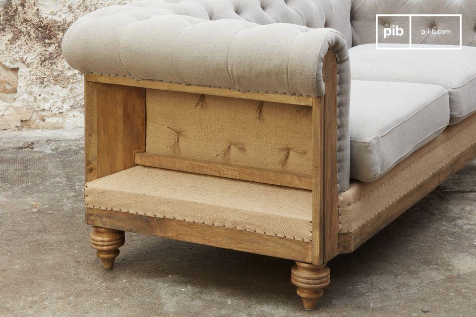 D\'un confort exceptionnel avec ses coussins d\'assise déhoussables bien rembourrés