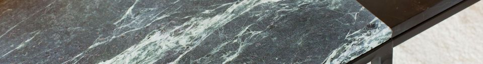 Mise en avant matière Grande table basse en marbre vert Avedore