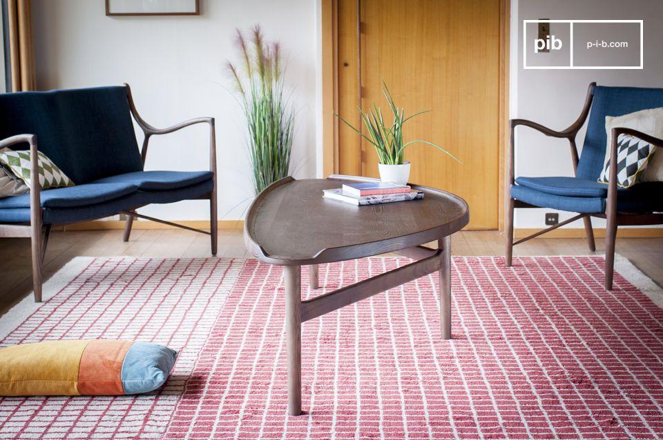Une table basse en bois massif idéale pour une utilisation mixte