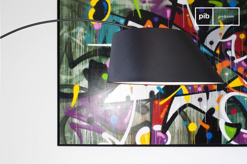 Le lampadaire Nexö affiche un style néo-vintage en remettant au goût du jour une ligne de design