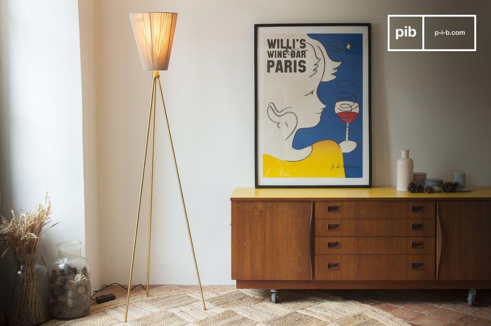 Le designer norvégien Ove Rogne a conçu le lampadaire Oslo Wood comme un modèle modulable