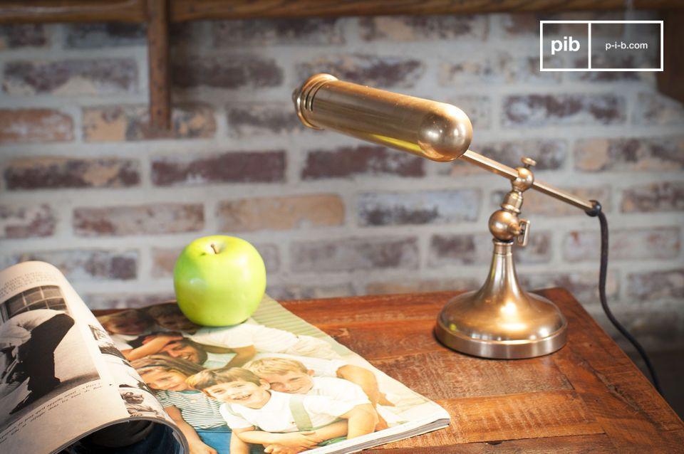 Le charme du laiton doré pour votre bureau
