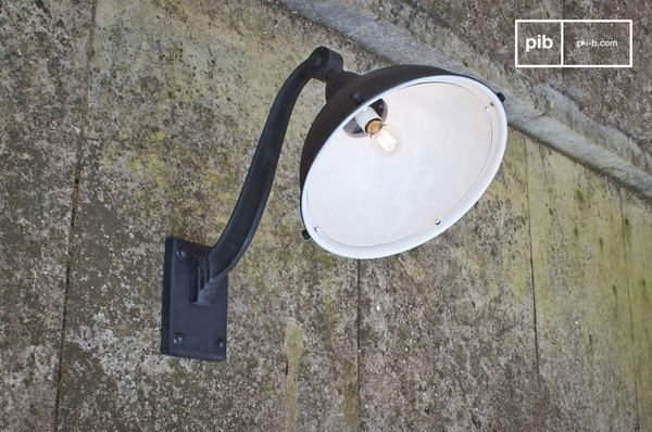Lampe de façade d'entrepot