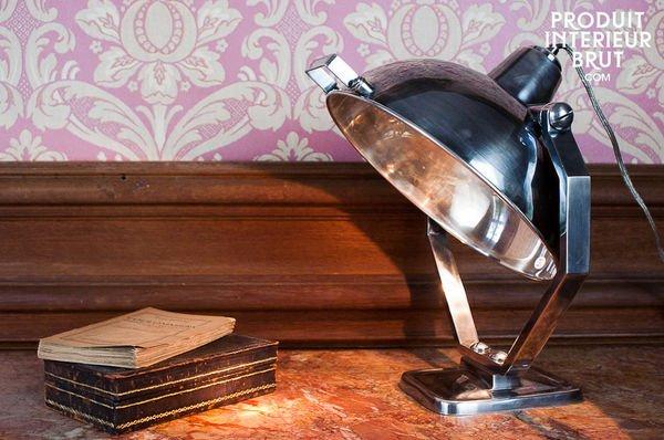 Lampe de table en nickel