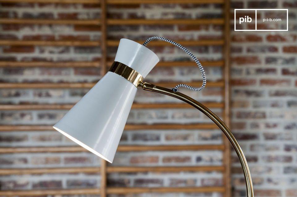 Une lampe de table orientable associant esprit vintage et design original