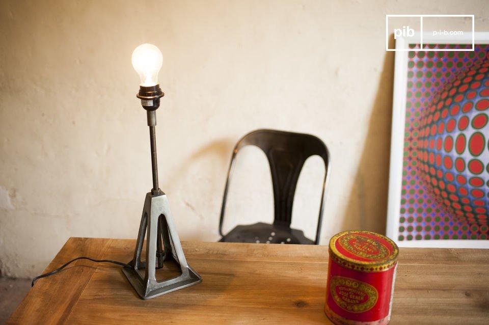 Une lampe retro aux accents industriels