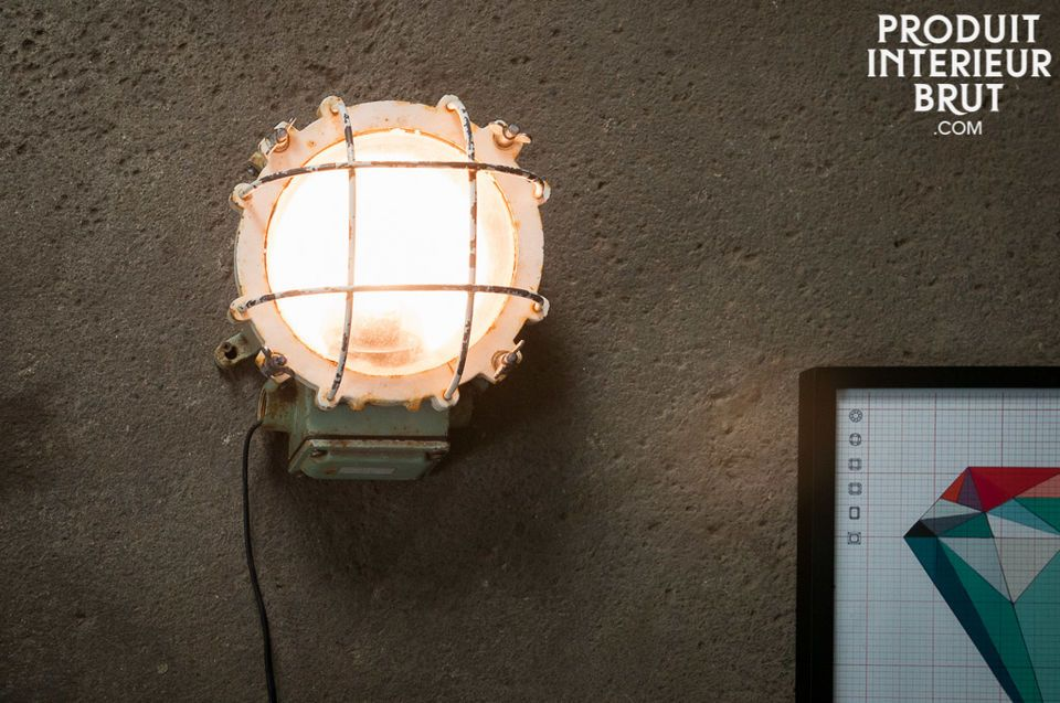 Applique ou lampe à poser dotée du caractère de vieux paquebots