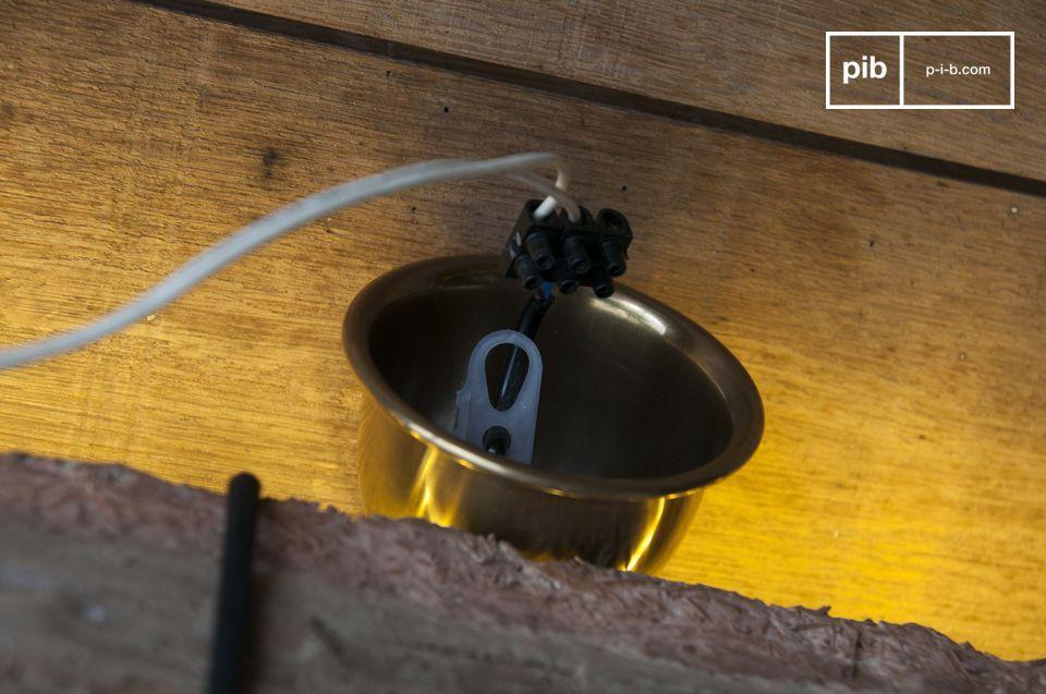 Une lampe suspendue industrielle pour un style brut au chic minimaliste