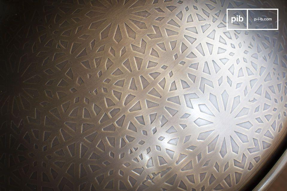 Un patchwork de figures triangulaires et quadrilatères en contraste de façon magnifique avec