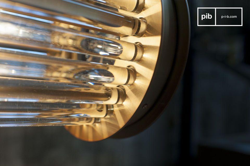 Constituée de tubes de verre enchâssés dans des embouts de laiton