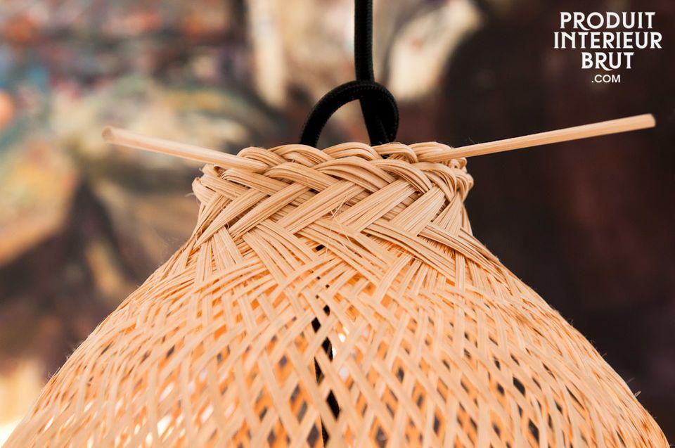 L\'osier tressé de la lampe suspendue Storskäch inspire élégance, légèreté et naturel