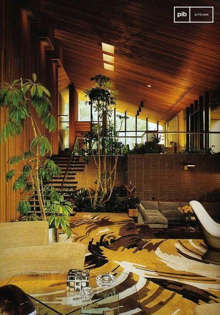 Le mélange de nombreuses textures et matériaux est une caractéristique des années 70.