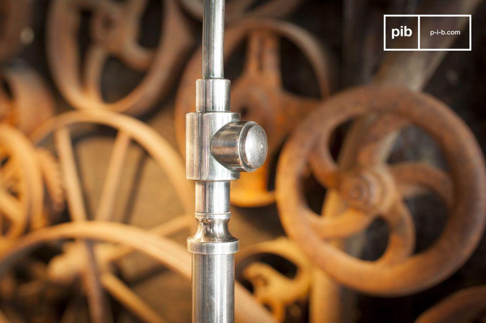 Sous son look industriel directement inspiré par les usines et ateliers