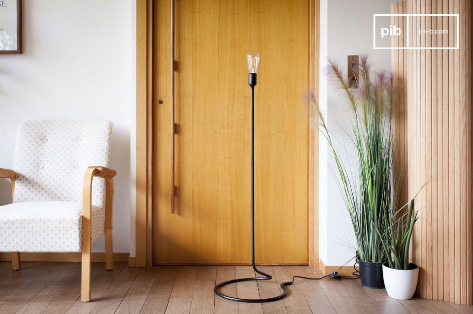 Une liseuse équilibriste au minimalisme élégant